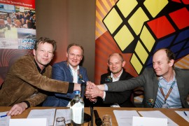 Directors of NIKHEF, DIFFER, ARCNL and AMOLF sign Gender Equality Plans for their institutes