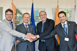 Wouter Vijvers, Director of Chromodynamics; Kees Buijsrogge, Director of TNO; ITER Director-General Bernard Bigot; and Ricardo Patricio, Director of Active Space Technologies sign an agreement on the development of a diagnostic tool for ITER